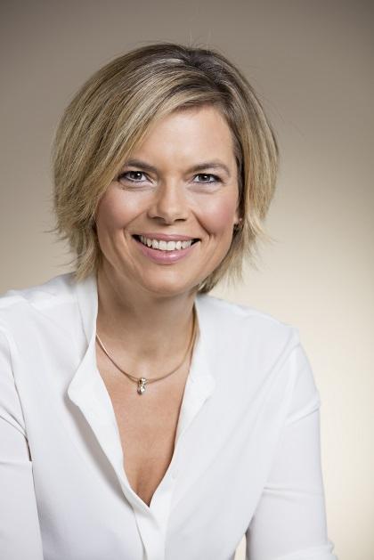 auf einladung des cdu gemeindeverbands asbach wird julia klckner auf ihrer rundreise drei stationen anfahren - Julia Klockner Lebenslauf